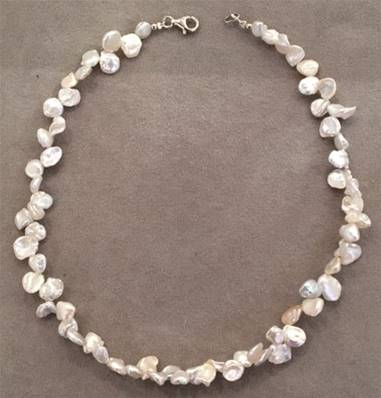 COLLIER PERLES KESHIS BLANCHES